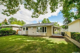 Photo 2: 205 Boyd Street in Saskatoon: Forest Grove Residential for sale : MLS®# SK826086