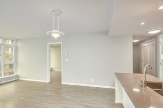 """Photo 11: 1709 520 COMO LAKE Avenue in Coquitlam: Coquitlam West Condo for sale in """"The Crown"""" : MLS®# R2497727"""