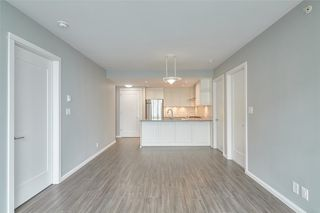 """Photo 13: 1709 520 COMO LAKE Avenue in Coquitlam: Coquitlam West Condo for sale in """"The Crown"""" : MLS®# R2497727"""