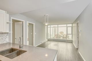"""Photo 14: 1709 520 COMO LAKE Avenue in Coquitlam: Coquitlam West Condo for sale in """"The Crown"""" : MLS®# R2497727"""