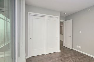 """Photo 8: 1709 520 COMO LAKE Avenue in Coquitlam: Coquitlam West Condo for sale in """"The Crown"""" : MLS®# R2497727"""