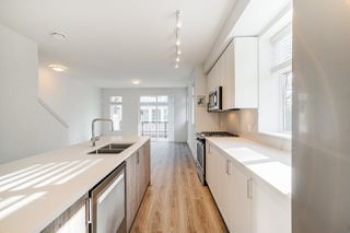 """Photo 13:  in Surrey: Fleetwood Tynehead Townhouse for sale in """"CANOPY LIVING"""" : MLS®# R2513628"""