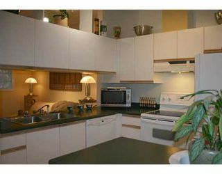 """Photo 2: 102 1012 BROUGHTON ST in Vancouver: West End VW Condo for sale in """"BROUGHTON COURT"""" (Vancouver West)  : MLS®# V567326"""