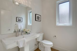 Photo 12: 9339 91 Street in Edmonton: Zone 18 House for sale : MLS®# E4167902