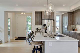 Photo 2: 9339 91 Street in Edmonton: Zone 18 House for sale : MLS®# E4167902