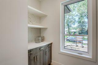 Photo 5: 9339 91 Street in Edmonton: Zone 18 House for sale : MLS®# E4167902