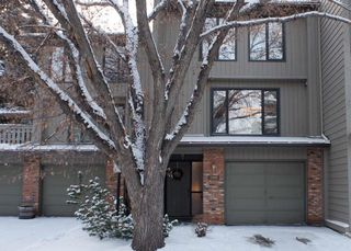 Photo 1: 3905 POINT MCKAY Road NW in Calgary: Point McKay Row/Townhouse for sale : MLS®# C4279923