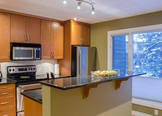 Photo 10: 3905 POINT MCKAY Road NW in Calgary: Point McKay Row/Townhouse for sale : MLS®# C4279923