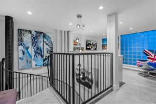 "Photo 15: 809 27 ALEXANDER Street in Vancouver: Downtown VE Condo for sale in ""The Alexis"" (Vancouver East)  : MLS®# R2428467"