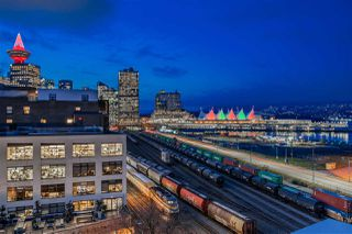 "Photo 19: 809 27 ALEXANDER Street in Vancouver: Downtown VE Condo for sale in ""The Alexis"" (Vancouver East)  : MLS®# R2428467"