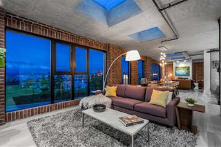 "Photo 8: 809 27 ALEXANDER Street in Vancouver: Downtown VE Condo for sale in ""The Alexis"" (Vancouver East)  : MLS®# R2428467"