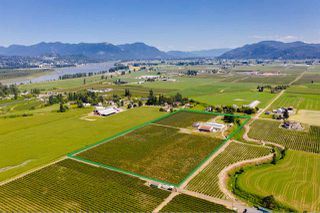 Photo 1: 5235 GLENMORE Road in Abbotsford: Matsqui House for sale : MLS®# R2486683