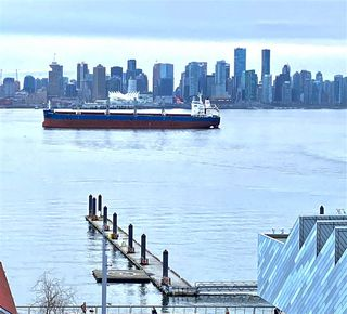 """Main Photo: 705 133 E ESPLANADE in North Vancouver: Lower Lonsdale Condo for sale in """"Pinnacle"""" : MLS®# R2493558"""