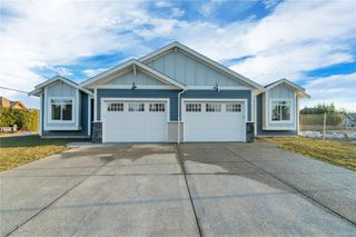 Main Photo: SL35 200 Nikola Rd in : CR Campbell River West Row/Townhouse for sale (Campbell River)  : MLS®# 855990