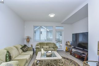 """Photo 4: 121 9718 161A Street in Surrey: Fleetwood Tynehead Townhouse for sale in """"Canopy"""" : MLS®# R2501716"""
