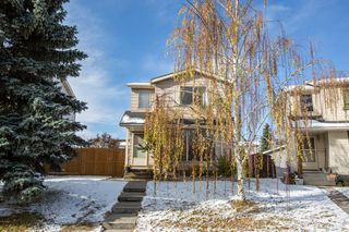 Photo 2: 23 Erin Woods Place SE in Calgary: Erin Woods Detached for sale : MLS®# A1043975