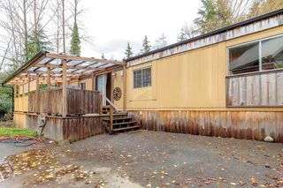 "Photo 3: 19 3295 SUNNYSIDE Road: Anmore Manufactured Home for sale in ""COUNTRYSIDE VILLAGE"" (Port Moody)  : MLS®# R2518632"