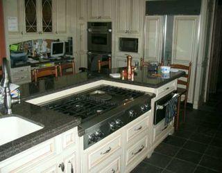 Photo 2: 24 DEARSLEY Place: Winnipeg Single Family Detached for sale (1e)  : MLS®# 2615715
