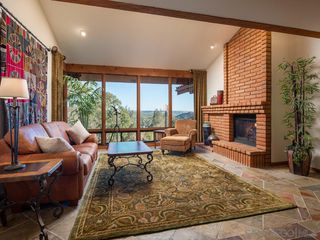 Photo 10: POWAY House for sale : 4 bedrooms : 13587 Del Poniente Road
