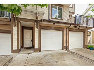 "Photo 2: 22 19433 68 Avenue in Surrey: Clayton Townhouse for sale in ""Clayton"" (Cloverdale)  : MLS®# R2454879"