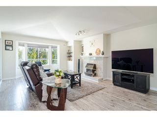 """Photo 3: 304 6440 197 Street in Langley: Willoughby Heights Condo for sale in """"The Kingsway"""" : MLS®# R2480168"""