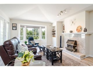 """Photo 4: 304 6440 197 Street in Langley: Willoughby Heights Condo for sale in """"The Kingsway"""" : MLS®# R2480168"""