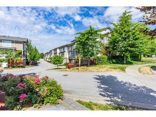 "Photo 2: 22 19505 68A Avenue in Surrey: Clayton Townhouse for sale in ""Clayton Rise"" (Cloverdale)  : MLS®# R2484937"
