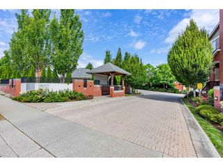 "Photo 3: 22 19505 68A Avenue in Surrey: Clayton Townhouse for sale in ""Clayton Rise"" (Cloverdale)  : MLS®# R2484937"