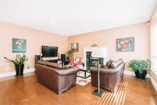 """Photo 4: 3623 PHILLIPS Avenue in Burnaby: Government Road House for sale in """"Government Road"""" (Burnaby North)  : MLS®# R2497788"""