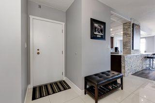 Photo 5: 1704 11710 100 Avenue in Edmonton: Zone 12 Condo for sale : MLS®# E4214648