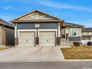 Photo 1: 4106 Timber Creek Place in Regina: The Creeks Residential for sale : MLS®# SK830880