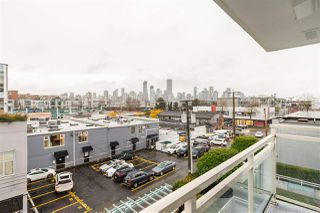 "Photo 14: 401 1635 W 3RD Avenue in Vancouver: False Creek Condo for sale in ""LUMEN by BUCCI Development Ltd."" (Vancouver West)  : MLS®# R2520307"