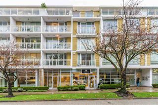 "Photo 11: 401 1635 W 3RD Avenue in Vancouver: False Creek Condo for sale in ""LUMEN by BUCCI Development Ltd."" (Vancouver West)  : MLS®# R2520307"