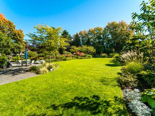 "Photo 17: 105 1740 COMOX Street in Vancouver: West End VW Condo for sale in ""THE SANDPIPER"" (Vancouver West)  : MLS®# R2391854"