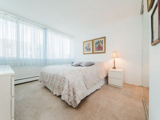 "Photo 10: 105 1740 COMOX Street in Vancouver: West End VW Condo for sale in ""THE SANDPIPER"" (Vancouver West)  : MLS®# R2391854"