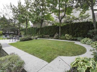 "Photo 12: 504 2108 W 38TH Avenue in Vancouver: Kerrisdale Condo for sale in ""The Wilshire"" (Vancouver West)  : MLS®# R2400833"