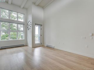 Photo 3: 404 3912 Carey Rd in VICTORIA: SW Tillicum Condo Apartment for sale (Saanich West)  : MLS®# 824610