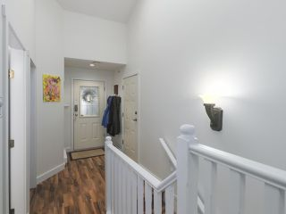 "Photo 3: 29 1560 PRINCE Street in Port Moody: College Park PM Townhouse for sale in ""SEASIDE RIDGE"" : MLS®# R2428320"