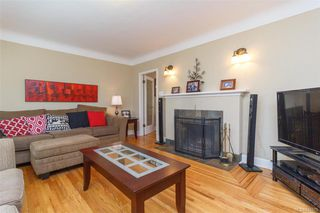 Photo 3: 2260 Central Ave in Oak Bay: OB South Oak Bay House for sale : MLS®# 844975