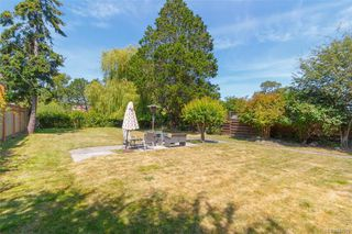 Photo 25: 2260 Central Ave in Oak Bay: OB South Oak Bay House for sale : MLS®# 844975