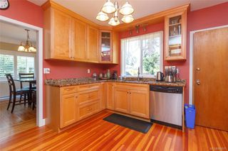 Photo 9: 2260 Central Ave in Oak Bay: OB South Oak Bay House for sale : MLS®# 844975