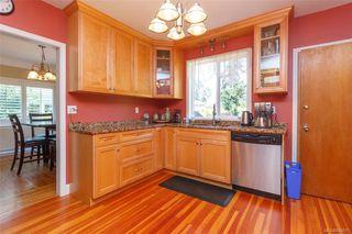 Photo 9: 2260 Central Ave in Oak Bay: OB South Oak Bay Single Family Detached for sale : MLS®# 844975