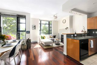"Photo 1: 412 2268 REDBUD Lane in Vancouver: Kitsilano Condo for sale in ""Ansonia"" (Vancouver West)  : MLS®# R2493116"