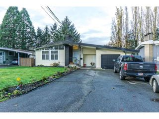 Photo 2: 2141 SHERWOOD Crescent in Abbotsford: Abbotsford West House for sale : MLS®# R2511327
