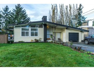Photo 1: 2141 SHERWOOD Crescent in Abbotsford: Abbotsford West House for sale : MLS®# R2511327
