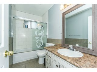 Photo 10: 2141 SHERWOOD Crescent in Abbotsford: Abbotsford West House for sale : MLS®# R2511327