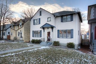 Photo 1: 407 Oxford Street in Winnipeg: River Heights North Single Family Detached for sale (1C)  : MLS®# 202028182