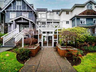 """Photo 2: 208 2175 W 3RD Avenue in Vancouver: Kitsilano Condo for sale in """"SEA BREEZE"""" (Vancouver West)  : MLS®# R2520082"""