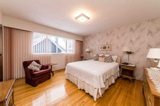 Photo 11: 4054 RUBY Avenue in North Vancouver: Edgemont House for sale : MLS®# R2429119