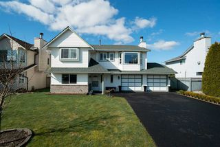 Photo 1: 12457 188A Street in Pitt Meadows: Central Meadows House for sale : MLS®# R2444926